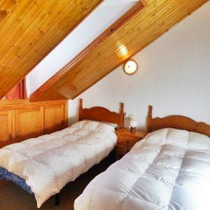 dormitorio-abuhardillado-sierra-nevada