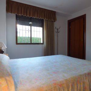 dormitorio principal apartamento guardamar