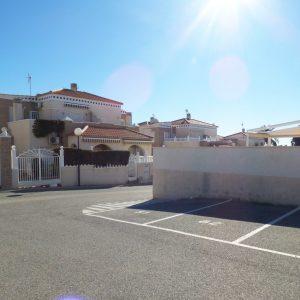 aparcamiento-bungalow-torrevieja