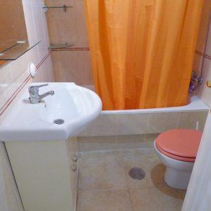 baño-bungalow-bajo-torrevieja