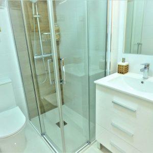 baño-apartamento-torrevieja