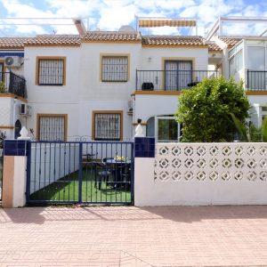 fachada-bungalow-orihuela-costa