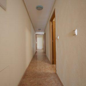 pasillo-apartamento-torrevieja-2